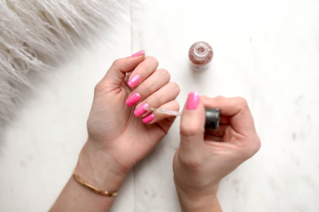 How Long Does Nail Polish Last on Average?