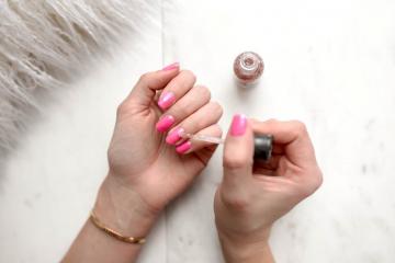 How Long Does Nail Polish Last on Average?