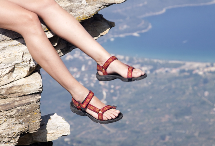 Keep It Minimal: What Are Minimalist Sandals?